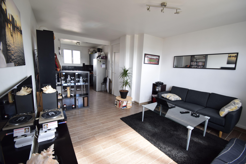 Appartement 3 pièces 54m² Villiers/ Marne – Bois gaumont- dernier étage vue dégagée