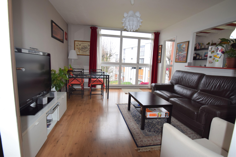 Appartement 3 pièces 67m² Noisy le Grand Cormiers-Hauts Batons RER Noisy Champs