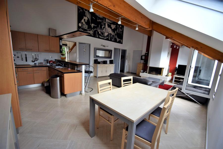 Appartement 4 pièces 82m² dernier étage avec deux caves et deux box Champigny/ Marne (quartier coeuilly)