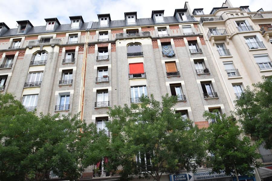 Appartement studette 15m² à Paris 15ème rue de Vaugirard en étage élevé avec ascenseur