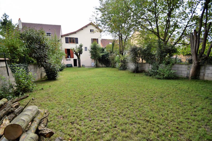 Maison 6 pièces de 117m² sur parcelle de 400m² Noisy le Grand Quartier les Grenouillères