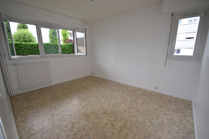 Appartement 2 pièces de 45m² à Noisy-le-Grand 7 min du RER de Bry/Marne vendu loué 800€/m cc