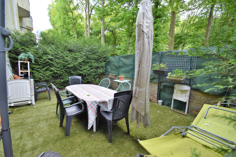 Appartement 3 pièces 73m² avec térrasse/ jardin , Box à EVRY – proche parc Coquibus
