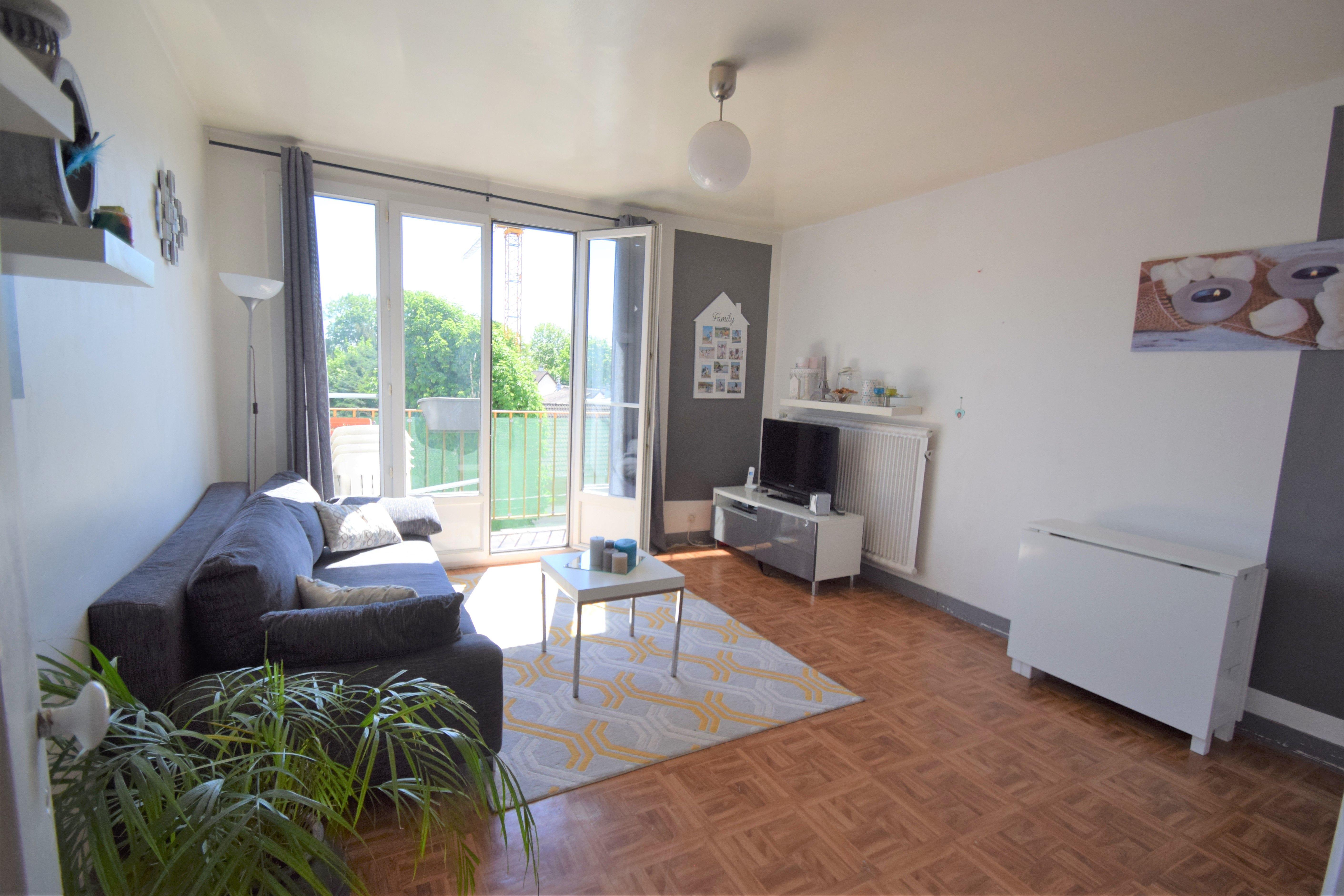 Appartement 3 pièces 57m² en dernier étage à Villiers sur marne avec cave et parking