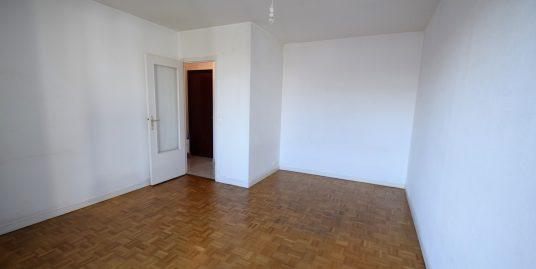 Appartement Studio avec grand balcon à Saint Maur des fossés Adamville