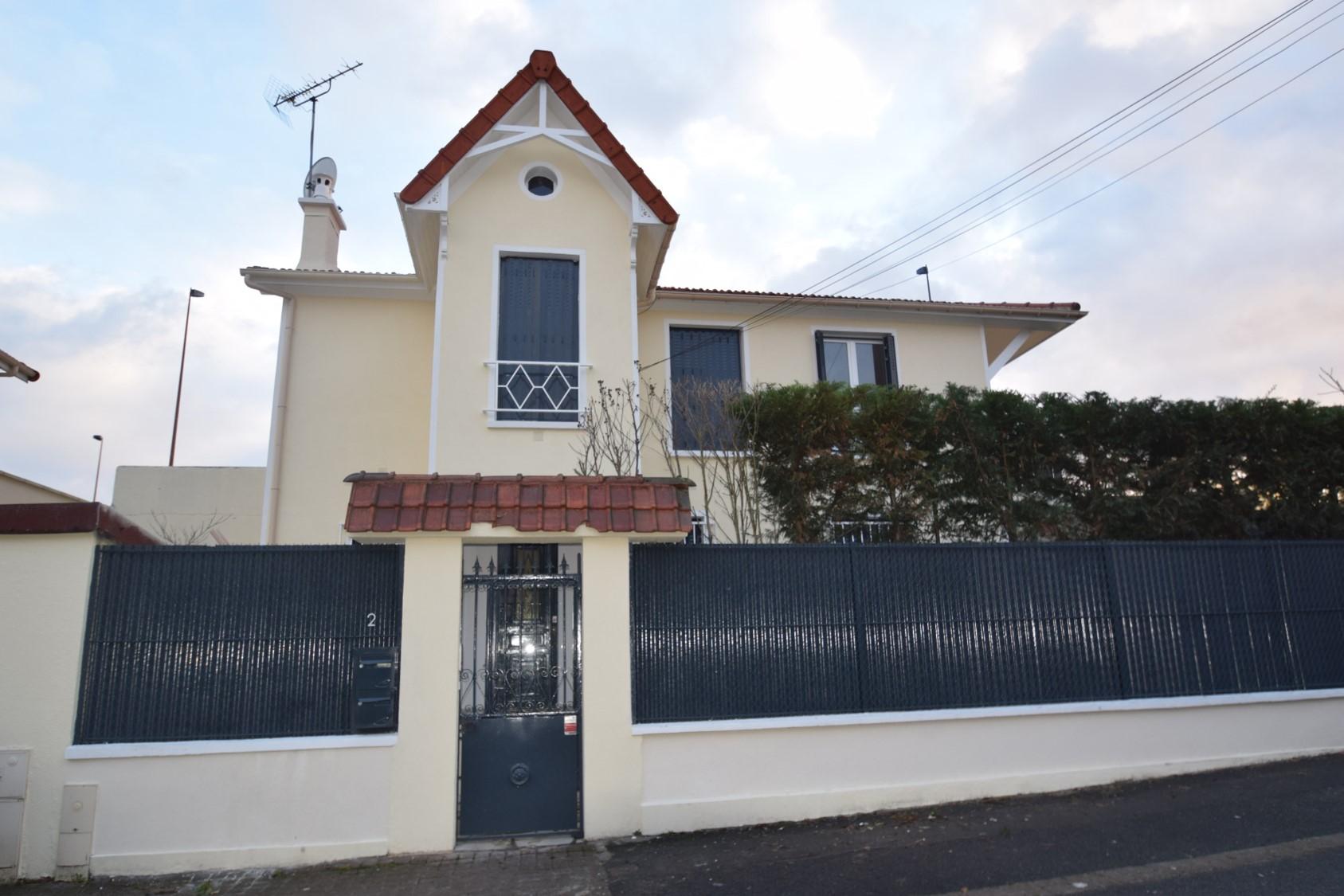 Maison 120m² en bon état à Joinville Le Pont quartier Polangis