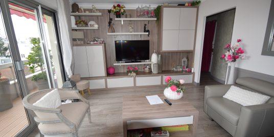 Appartement 2 pièces de 46m² à Joinville le Pont secteur Péri Dernier étage double Balcon, Cave et Parking