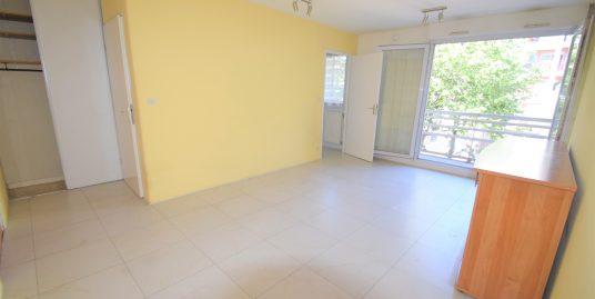 Appartement STUDIO de 27m² à CRETEIL à 600m du METRO POINTE DU LAC